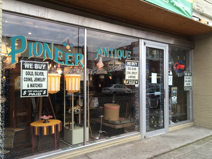 Puyallup-Antique-District-Pioneer-Antiques-and-Accrete-Lighting